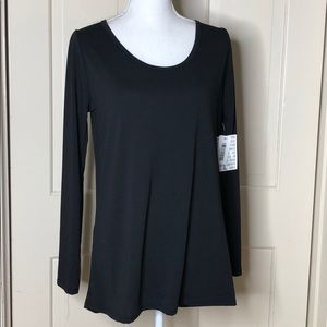 Lularoe All black Flowy Lynnae Top XL NWT